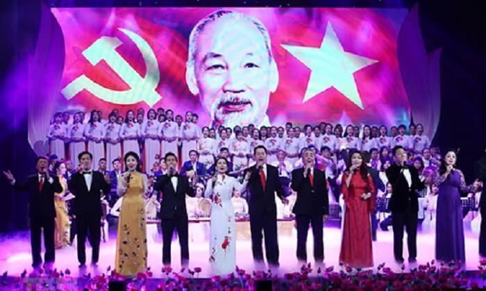 Chương trình ca múa nhạc kỷ niệm ngày sinh Chủ tịch Hồ Chí Minh